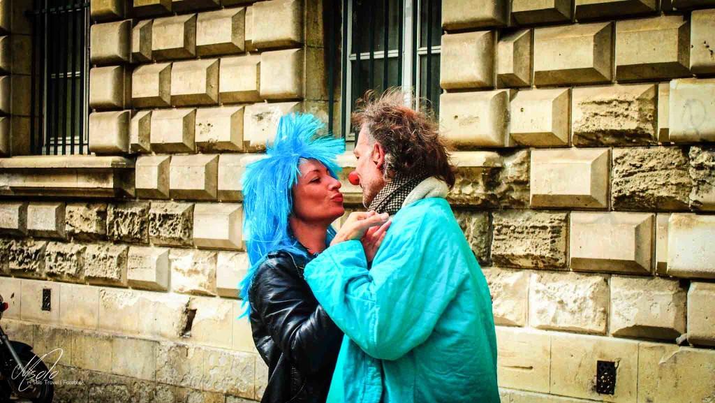 Romantic dancing couple @ Avignon
