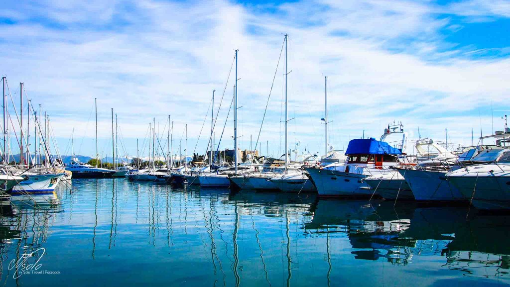 Can you name any yachting harbour in France? Antibes