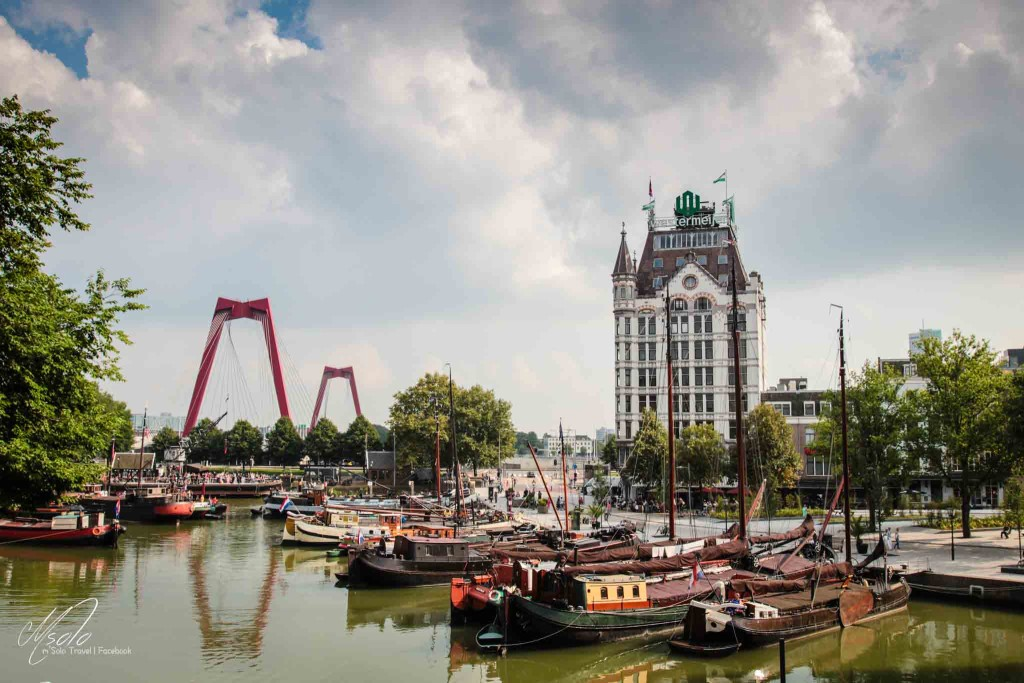 River +boat+ contemporary construction=Rotterdam